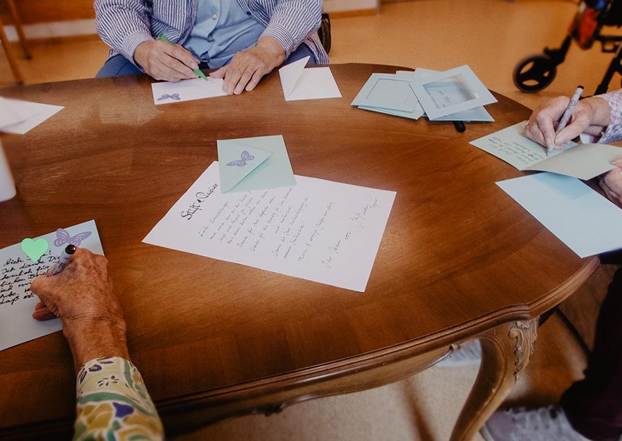briefeschreiben-herzensbriefe-roessler-papier
