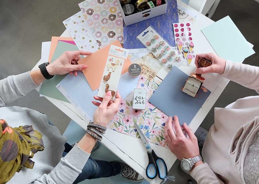 Karten-Werkstatt <br/>Bunte Ideen aus Papier