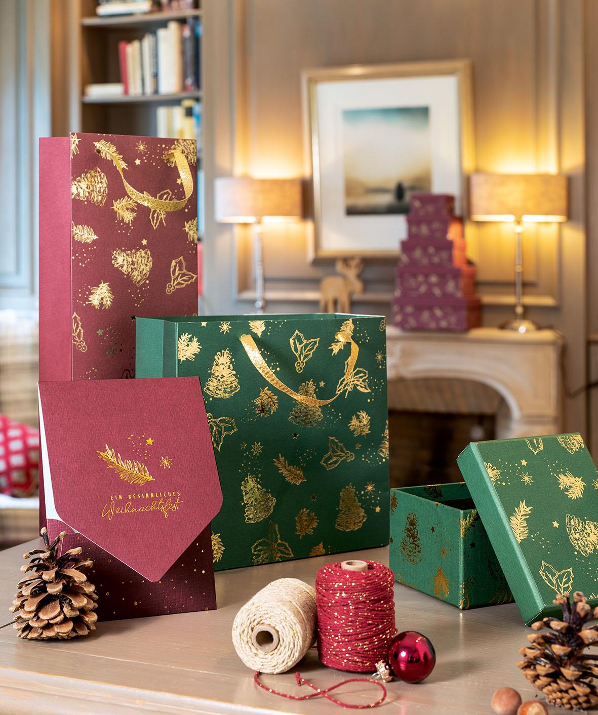 weihnachten-karte-goldenchristmas-geschenktuete-box-roessler